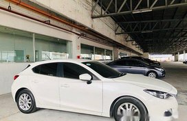 White Mazda 3 2015 for sale in Automatic