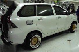 Sell White 2016 Toyota Avanza in Manila