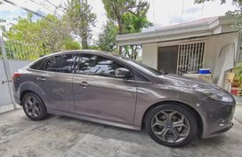Grey Ford Focus 2014 for sale in Manila