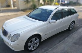 White Mercedes-Benz E-Class 2004 for sale in Automatic