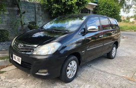 Selling Purple Toyota Innova 2010 in Calamba City