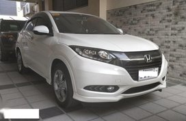 Sell Pearl White 2015 Honda Hr-V in Parañaque