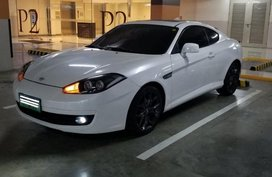 Sell White 2008 Hyundai Coupe Coupe / Roadster in Manila