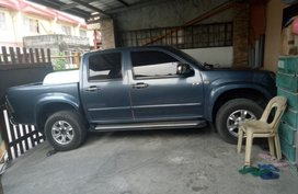 Blue Isuzu D-Max 2010 for sale in Automatic