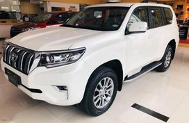 Selling White Toyota Land cruiser prado 2020 in Manila