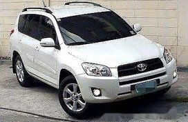 Sell White 2009 Toyota Rav4 in Manila