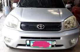 Selling Silver Toyota Rav4 2004 in San Carlos