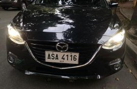 Selling Black Mazda 3 2015 in Manila