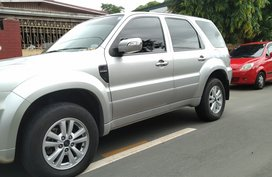 Silver Ford Escape 2013 for sale in Quezon City