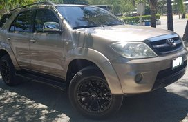 Toyota Fortuner G 2006 model
