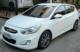 Sell White 2014 Hyundai Accent in Las Piñas