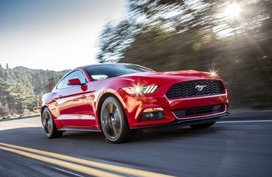 This one missing feature in Ford Mustang drives us nuts