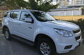 Sell White 2014 Chevrolet Trailblazer SUV / MPV in Parañaque