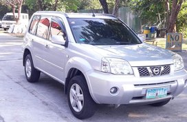 Sell 2011 Xtrail 2.0 Automatic Gasoline