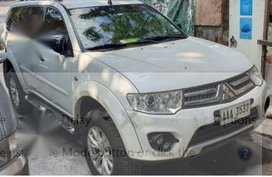 White Mitsubishi Montero sport 2014 for sale in Pasig City