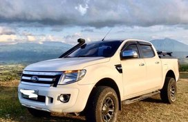 White Ford Ranger 2013 for sale in Naga