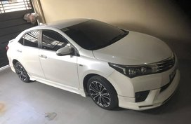 "2015 Toyota Altis ""Sports car look"" Pearl White"