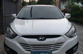 White Hyundai Tucson for sale in Manila