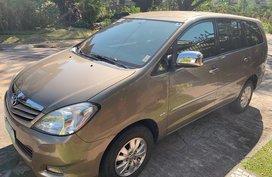 Sell Beige 2011 Toyota Innova in Muntinlupa City