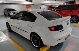 Selling White Mazda 3 2011 in Manila