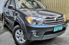 Sell Grey 2010 Toyota Fortuner SUV / MPV in Manila