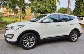White Hyundai Santa Fe 2014 SUV / MPV for sale in Manila