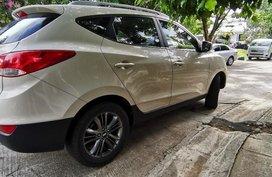 Sell White Hyundai Tucson in Manila