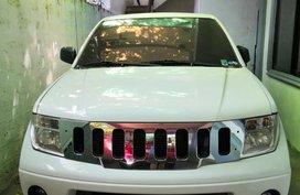 Selling White Nissan Navara 2011 Truck at 92000 in Mandaluyong