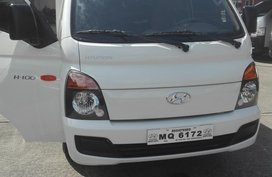Selling White Hyundai H-100 2017 Truck in Quezon City