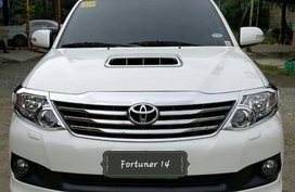Selling White Toyota Fortuner 2014 in Cebu City