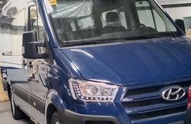 Hyundai H3500 2.5L Dsl-Crdi MT (14-Seater)