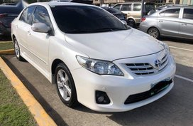 Sell Pearl White 2012 Toyota Corolla Altis in Paranaque City