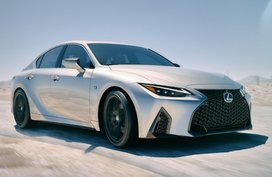 2021 Lexus IS debuts new stylish design but without power bump
