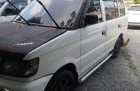 2004 Mitsubishi Adventure