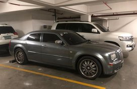 Grey Chrysler 300c 2015 for sale in Bonifacio