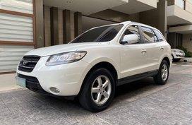 Sell White Hyundai Santa Fe in Manila