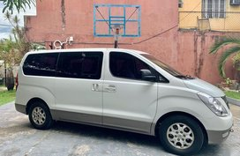 White Hyundai Starex for sale in Manila