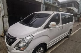 White Hyundai Starex for sale in Quezon City