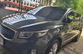 Selling Black Kia Carnival in Manila