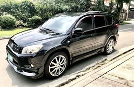 Selling Black Toyota Rav4 in Manila