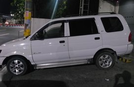 White Isuzu Crosswind for sale in Quezon city