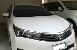 Pearl White Toyota Corolla altis for sale in Manila
