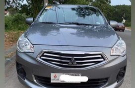 Selling Grey Mitsubishi Lancer in Muntinlupa