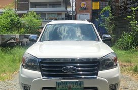 White Ford Everest for sale in Manila