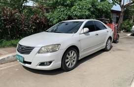Selling Pearl White Toyota Camry in Marikina