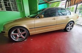 Selling Beige Bmw 318I in Las Piñas