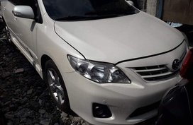 Selling White Toyota Corolla altis in Guiguinto