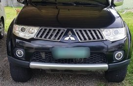 Sell Black Mitsubishi Montero sport in Parañaque