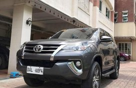 Selling Black Toyota Fortuner 2019 in Manila