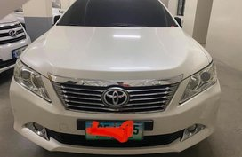 Selling White Toyota Camry for sale in Quezon City